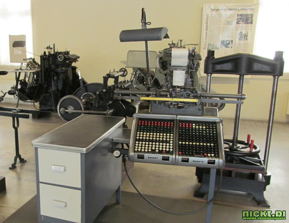 kraków muzeum techniki motoryzacji fiat 126p polonez warszawa syrena zabytek mikrus zajezdnia 19