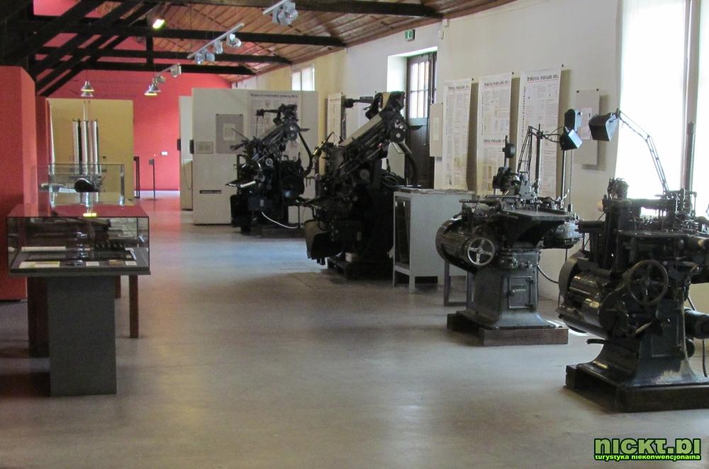 kraków muzeum techniki motoryzacji fiat 126p polonez warszawa syrena zabytek mikrus zajezdnia 20